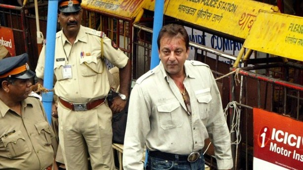 Bollywood-star-convicted-for-illegal-weapons