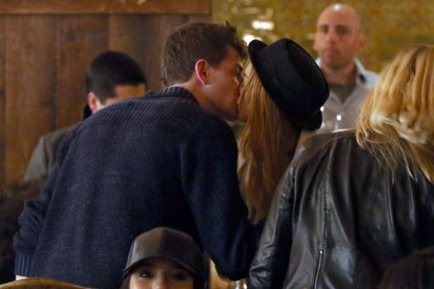 kissing lohan