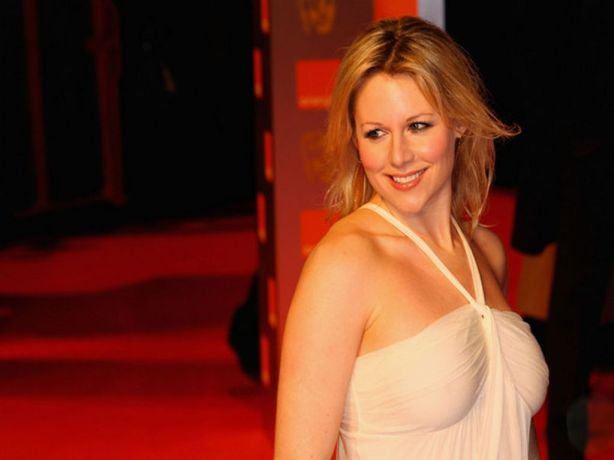Abi-Titmuss-10-by-hqwallpaper.in